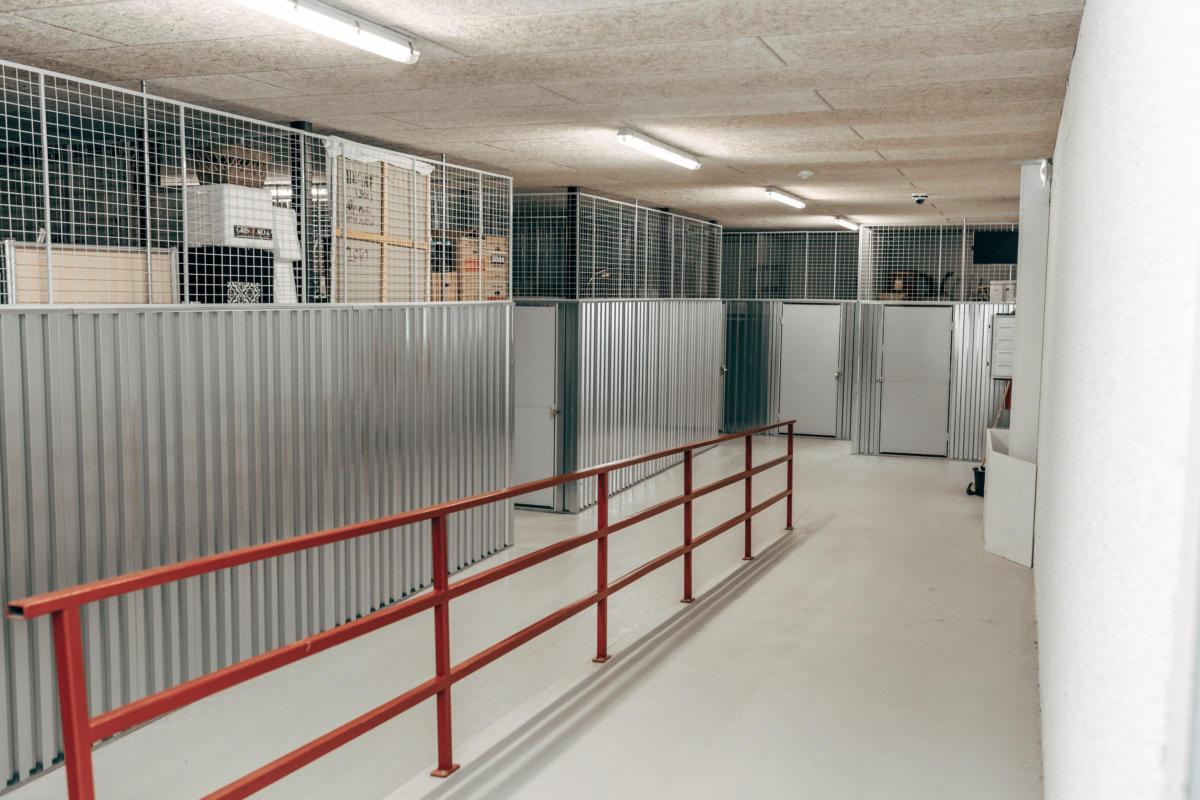 Picture of: Depotrum Horsens Billig Opbevaring I Horsens Book Online