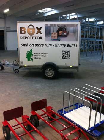 Du kan frit låne en trailer til at flytte dine sager, når du lejer et depotrum hos Boxdepotet