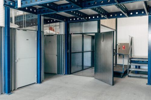 Depotrum i flere etager, med stor elevator